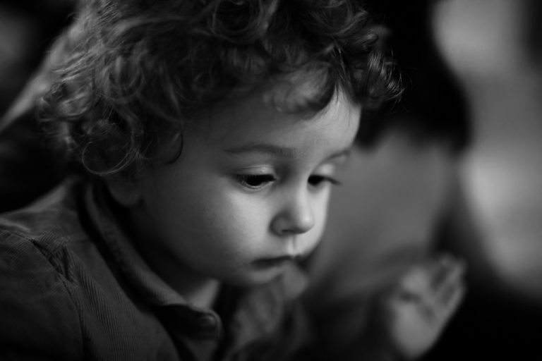 Photographe lifestyle bébé et famille noise le roi Yvelines 78