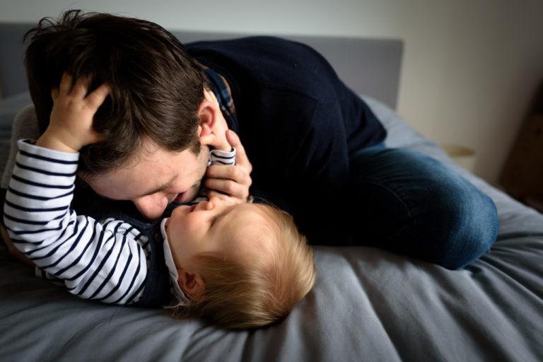 Photographe famille bébé domicile Yvelines 78 Chatou séance lifestyle