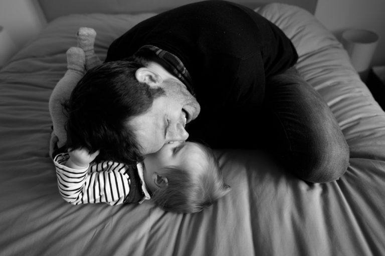 Séance photo famille bébé à domicile Yvelines 78 Chatou