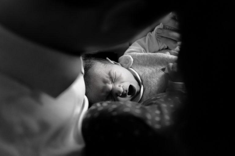 Photographe nouveau-né bébé Rambouillet Domicile 78 Maison Sandrine siryani
