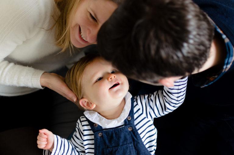 Photographe bébé Yvelines séance en intérieur