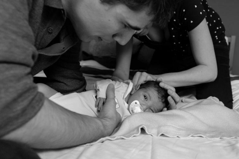 photographe nouveau-né bébé séance à lifestyle Yvelines Rambouillet