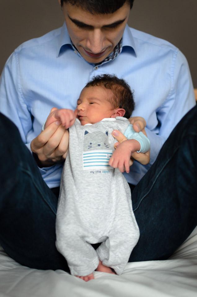 photographe nouveau-né bébé séance lifestyle à domicile Yvelines
