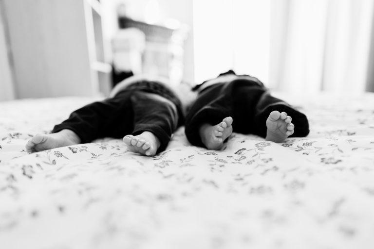 Photographe bébé nouveau-né Hauts-de-seine Yvelines Lifestyle Asnières jumelles