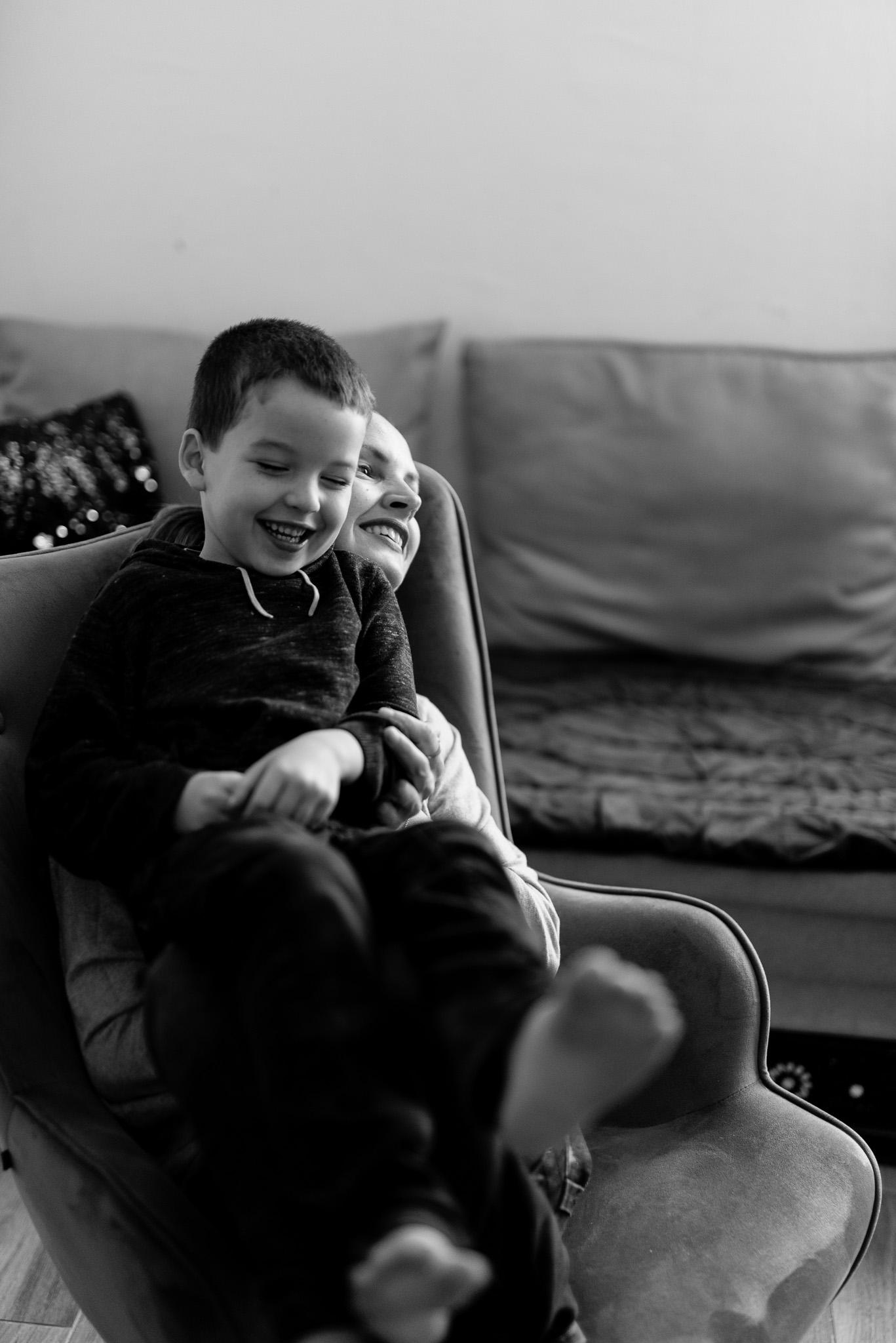 photographe yvelines maman enfant séance famille reportage Sandrine Siryani Paris chatou hauts-de-seine