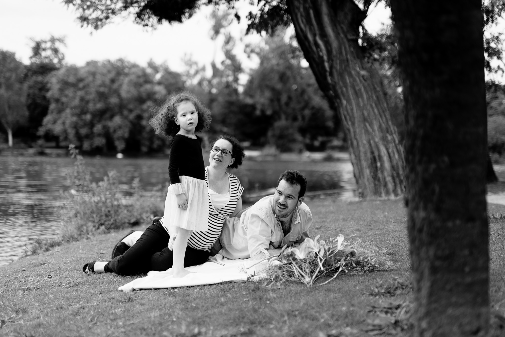Photographe Grossesse Yvelines Paris extérieur séance maternité Chatou Rueil Malmaison Boulogne Billancourt Saint-germain-en-Laye 92 75 78 Hauts de Seine famille